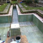Fibreglassing formal pond